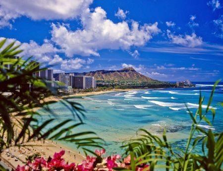 Reasons to Book a Hawaiian Honeymoon